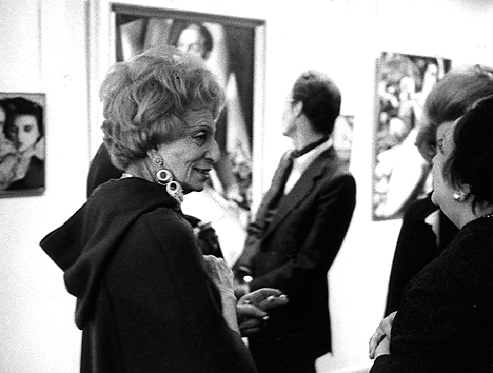 1972 – A retrospective of Tamara`s work is held at the Galerie du Luxembourg in Paris, organized by Alain Blondel